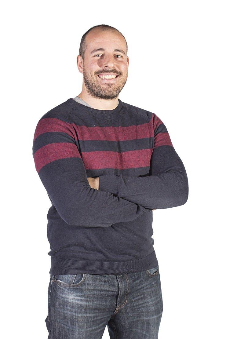 Bruno Brito - corpo inteiro